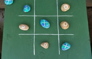 DIY Tic Tac Toe Outdoor Game ~ Super Easy and Cheap to Make!!