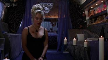Bride-Of-Chucky-jennifer-tilly-28949764-1920-1080