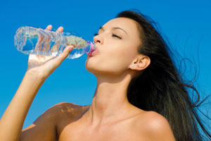m_id_371317_drinking_water-1