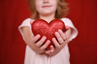 valentines-party-ideas-hands-heart