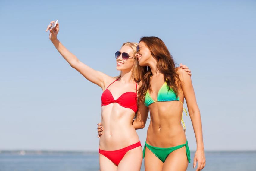 social media narcissism selfie