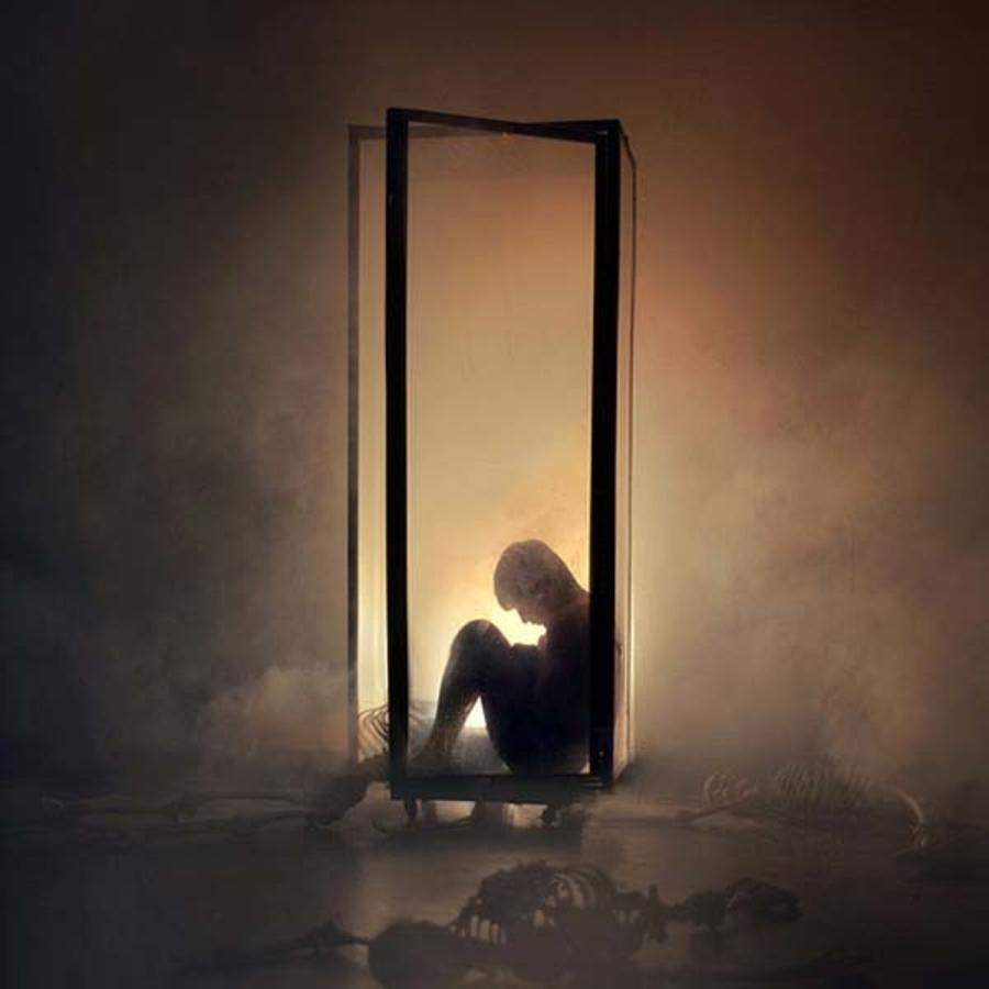 sleep paralysis hallucinations feel isolated