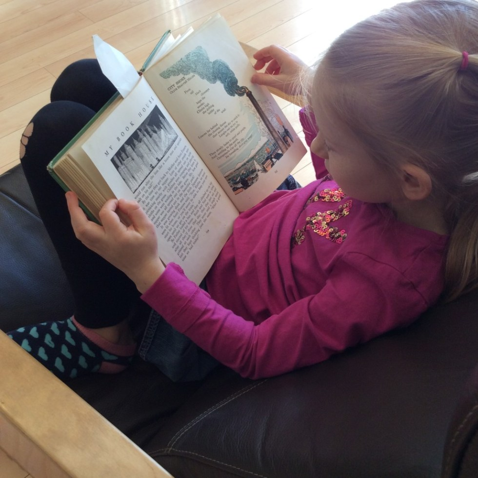 A Day in the Life of this Learning Mama - reading