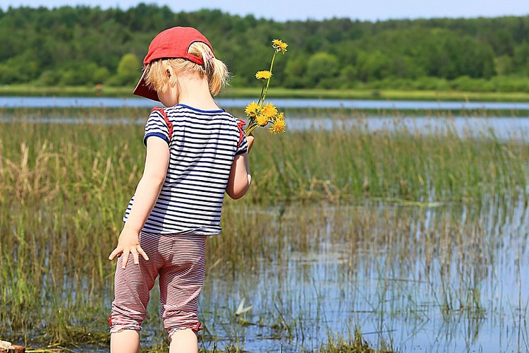 100 Things to do Outside with Your Kids This Summer