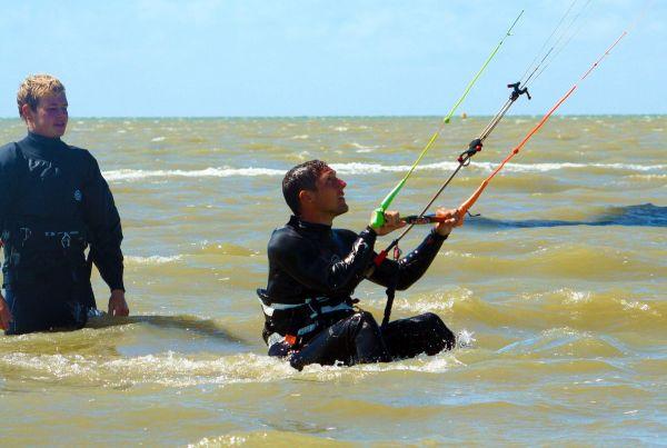 Kitesurfen in Holland, lernen im sicheren Stehrevier