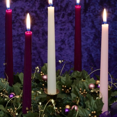 Religious: Christmas Advent Wreath With Burning Candles