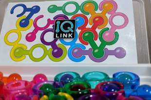 IQ link pieces and board on a table