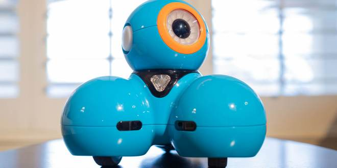 Dash Robot Review: The Best Robot for Younger Kids | Learn Richly