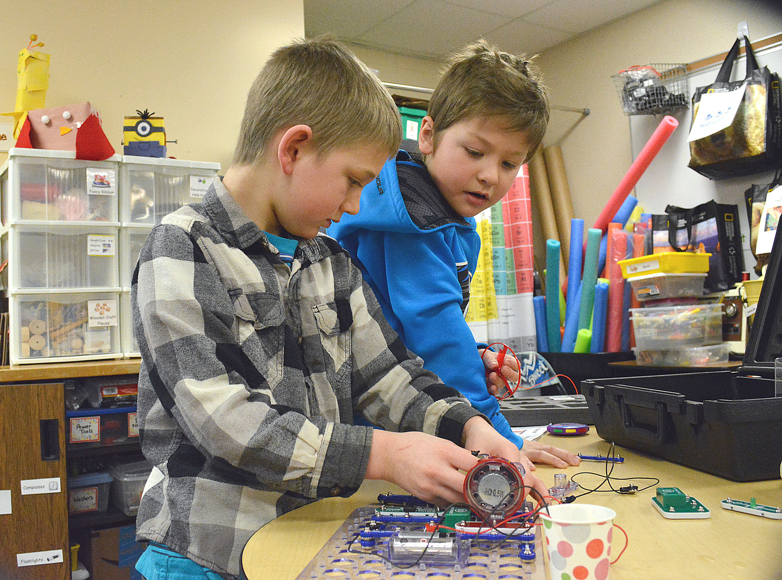 Circuits Electronics Lessons For Grades K 4 Learn Robotics You Will How To Build A Simple Snap