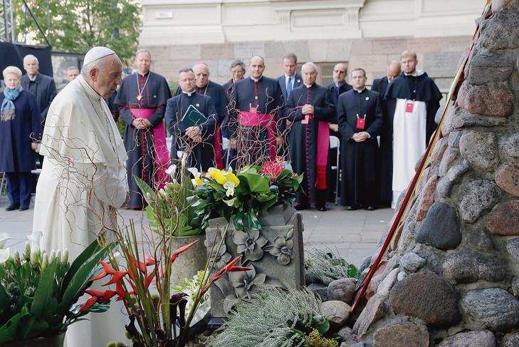 A Vilnius, le pape critique ceux qui