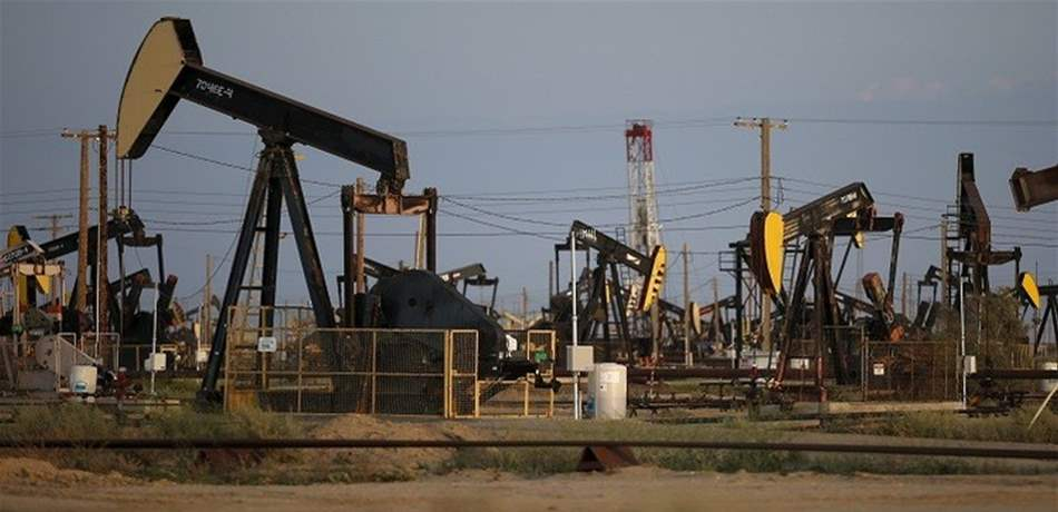 النفط يرتفع واحد بالمئة نتيجة استمرار التواترات بالشرق الأوسط