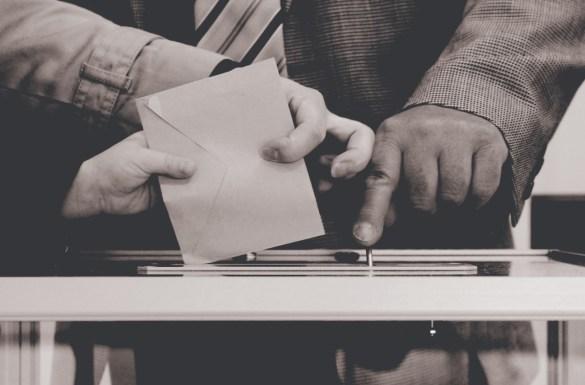 Electoral Law   Maria Germanos   سنّ الإقتراع - نصّ دستوريّ واجب التعديل.