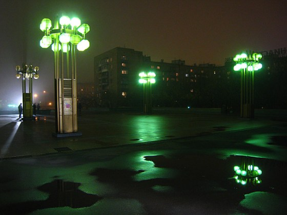 These neon lights were ridiculously cool. I wonder if because they are green, then they don't ruin one's night vision, or bat's vision.