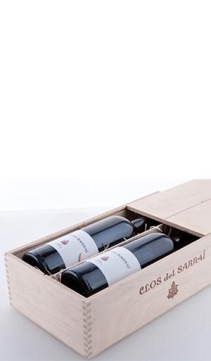 """Zwei Flaschen in der """"Clos del Sarrai"""" Holzkiste aus naturbelassenem Birkensperrholz mit Schiebedeckel 2013"""