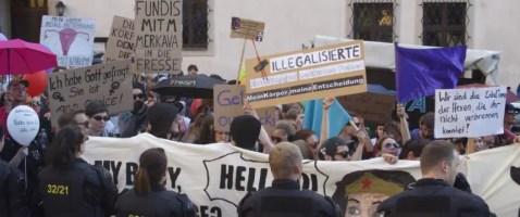 Gegner der Lebensschutz-Demonstration in Annaberg-Buchholz Foto: Friedrich Pohl