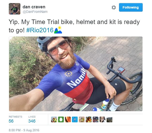 Dan megszavaztatta a Twittert, hogy induljon-e a TT-n TT cucc nélkül. Nyilván megszavazták