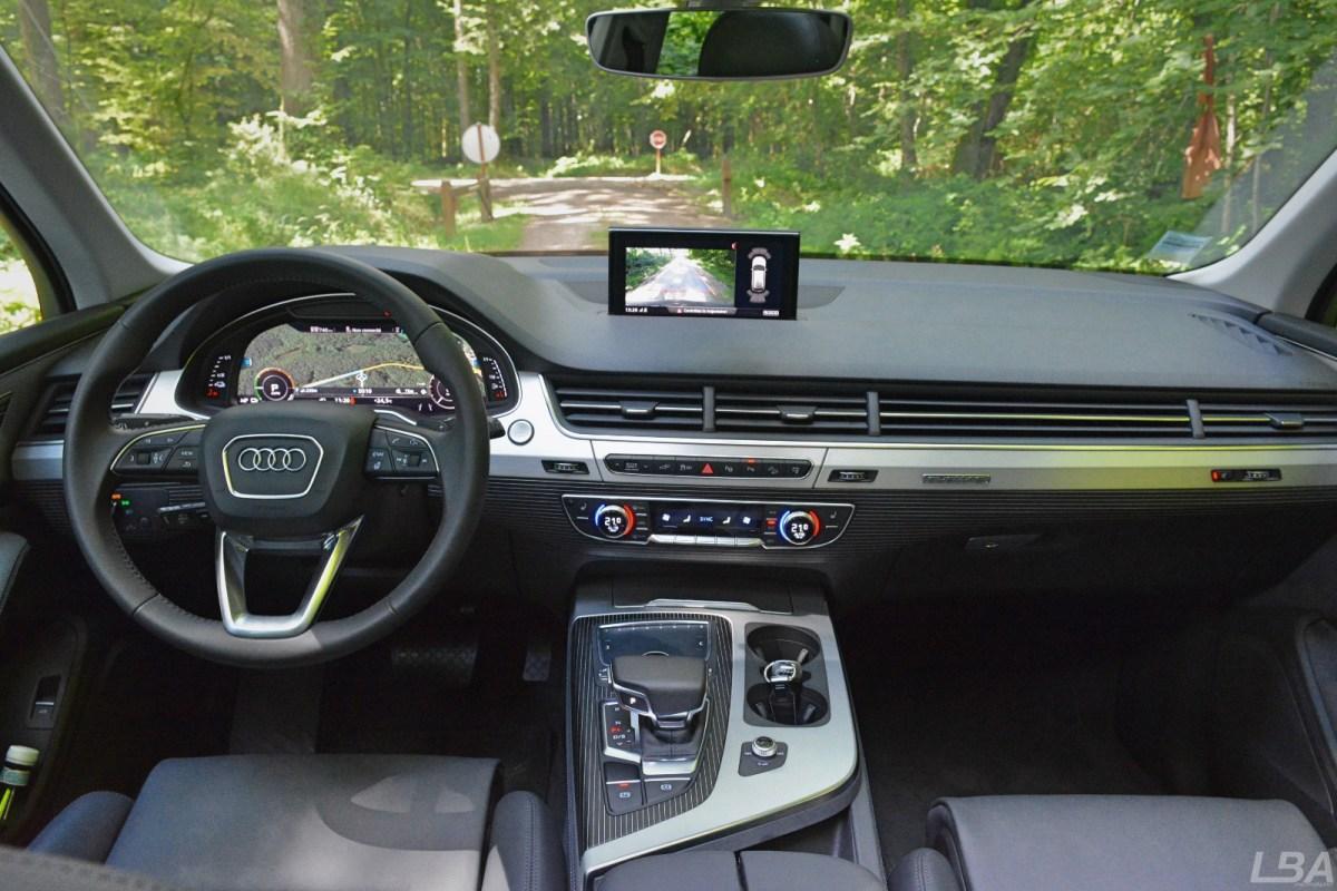 Audi-Q7-etron-22