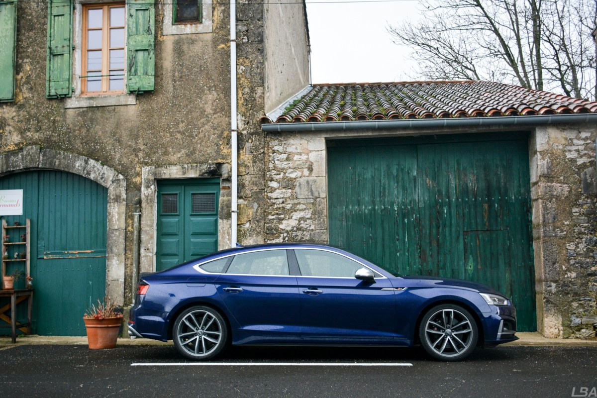 Audi S5 Sportback side