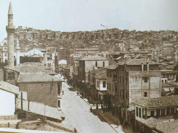 Ulus Meydanı Yönünden Ankara Kalesi - 1939
