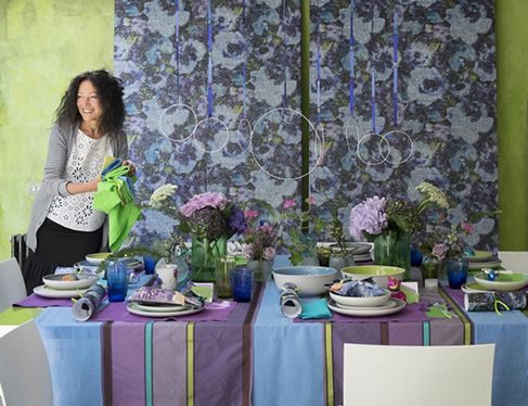 le-noel-coloré-de-tricia-guild-decor-table-avec-tricia