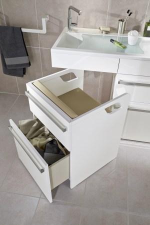 Aménagement-des-salles-de-bains-spécial-séniors-LAPEYRE-siege-de-salle-de-bain-Concept-Care