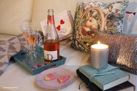 Saint-Valentin-déco-gourmande-pique-nique-canapé