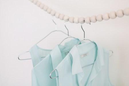 Comment-faire-un-portant-porte-vetements-decoperles-bois-DIY-apairaspare