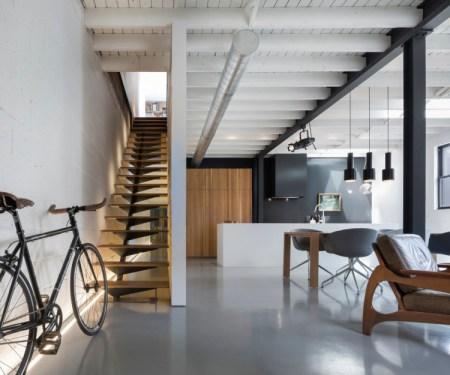 Design-et-meubles-scandinaves-dans-un-loft-industriel-pièce-principale
