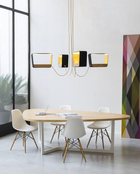Luminaires-géométriques-suspendus-DESIGNHEURE-Eau-de-lumiere-4-rectangle-bois