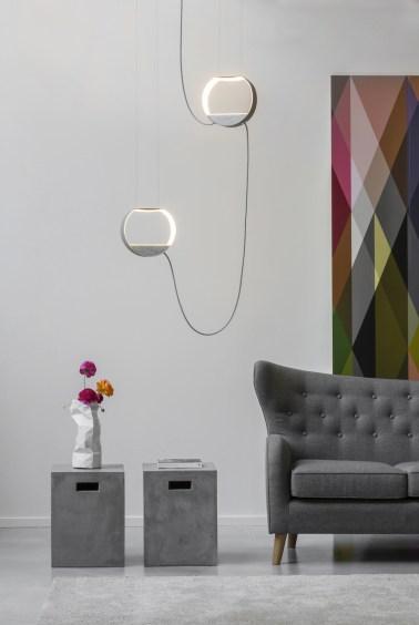 Luminaires-géométriques-suspendus-DESIGNHEURE-Eau-de-lumiere-Suspension-2-ronde-marbre
