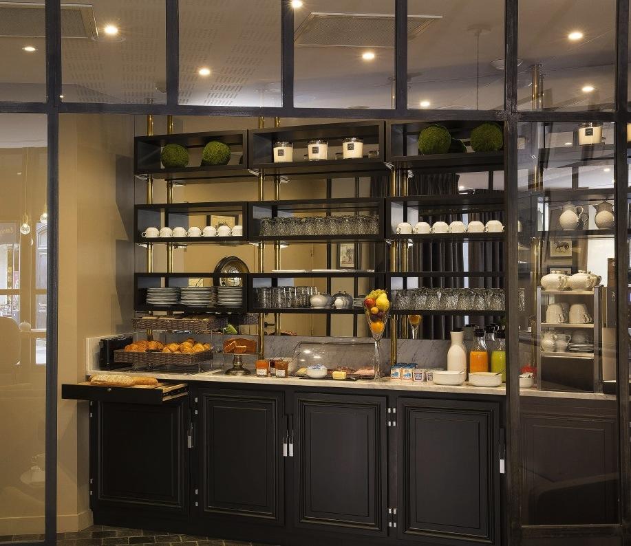 cuisine-noire-deco-hotel-nemours