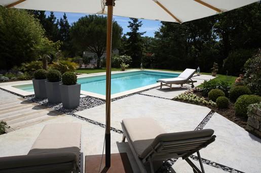 piscine-caron-projet-terrasse-pierre-et-galet