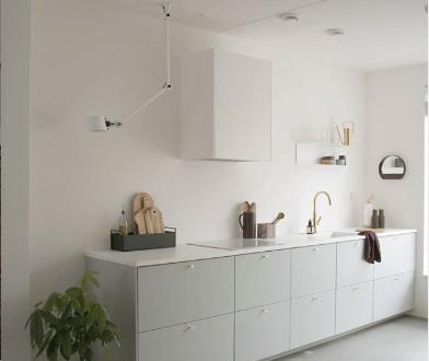 cuisine-vert-eau-deco-appartement-couleur-okermint