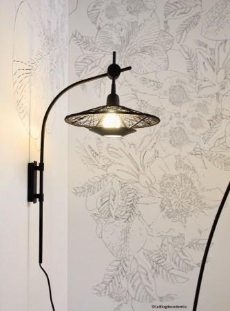 jolie-lampe-design-applique-noire