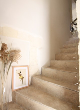 escalier-travertin-maison-provencale-mlc-deco-design