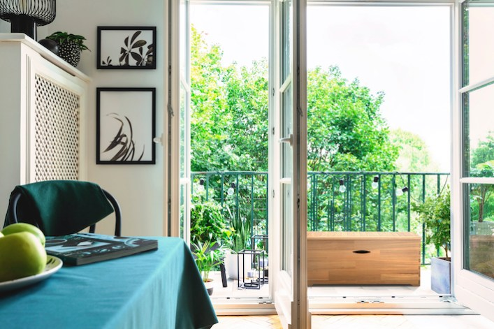 coffre-de-rangement-bois-balcon.jpg