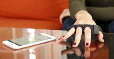 Tap Strap - Le premier clavier connecté portable