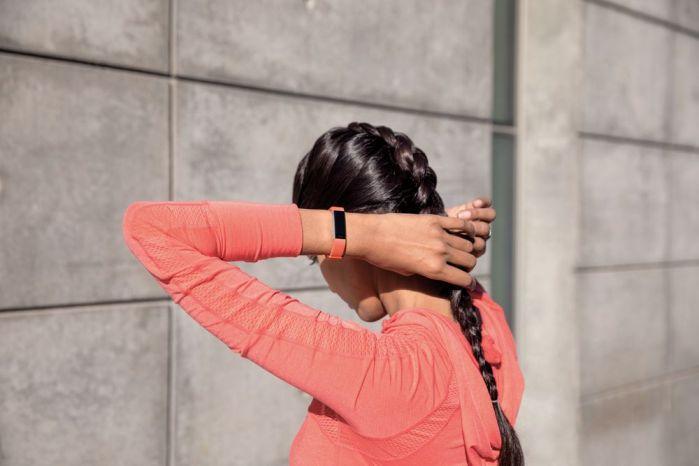 tracker d'activité Alta HR Fitbit