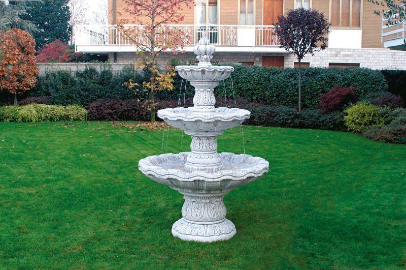 fontaine en pierre reconstituee avec