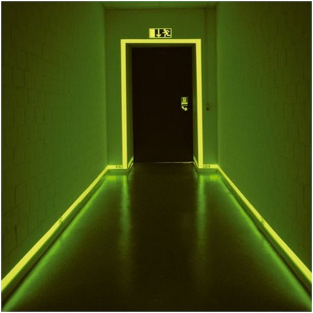 Contour de porte phosphorescent