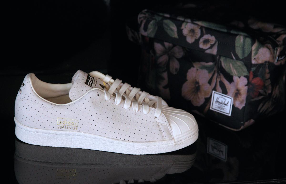 hot sales bc824 0fad7 La Fête des Pères approche, voici donc des idées cadeaux dans la boutique L Atelier  à Rouen. Pour le style offrez-lui l Adidas Superstar perforée ou la Stan ...