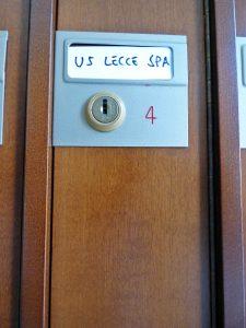 sede U.S. Lecce buca posta