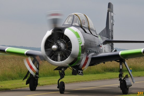 North American T-28 Trojan (Photo © Jean-Pierre Touzeau)