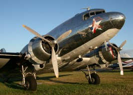 "Douglas C-47B (DC-3) ""Blue Bonnet Belle"" 43-49942 N47HL (Photo D. Miller (CC BY 2.0))"