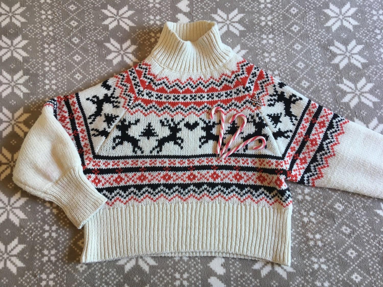 La mode se teinte de féérie et de fantaisie durant la période de Noël.