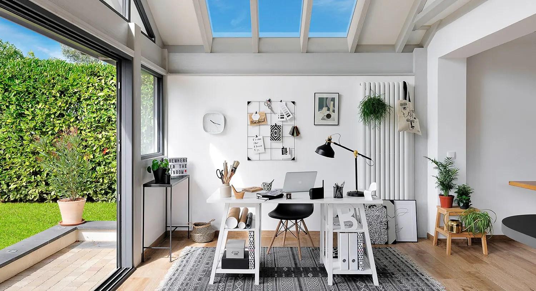 un bureau dans la veranda signe vie veranda l echo de la baie