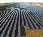 La centrale photovoltaïque de 61 MWc de Lerchenborg sur la presqu'île d'Asnæs au Danemark, entrée en service en décembre 2015. Crédit Photo: Wirsol.