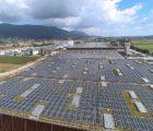 La plus grande toiture photovoltaïque de Suisse : 5,2 MWc (Photo : Migros)
