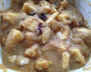 Amaranth Porridge mit Apfel, Banane, Datteln und Cashew