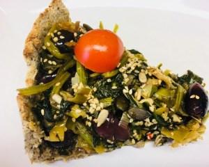 Spinat Tarte mit Oliven und getrockneten Tomaten